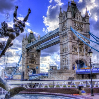Tower Bridge in London sfondi gratuiti per iPad mini