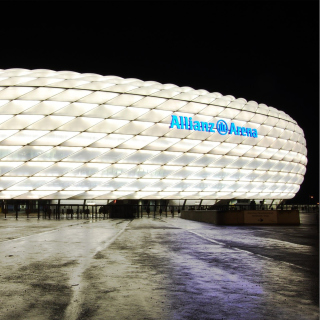 Allianz Arena is stadium in Munich - Obrázkek zdarma pro iPad mini
