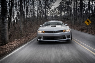 Chevrolet Camaro Z28 Wallpaper for Android 480x800