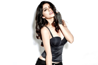 Sapna Pabbi Wallpaper for Android, iPhone and iPad