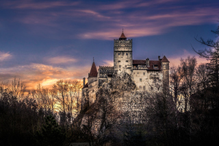 Bran Castle in Romania sfondi gratuiti per cellulari Android, iPhone, iPad e desktop