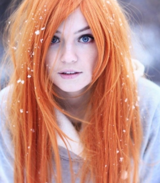 Free Summer Ginger Hair Girl And Snowflakes Picture for 768x1280