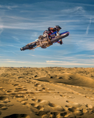 Motocross in Desert Wallpaper for Nokia C-5 5MP
