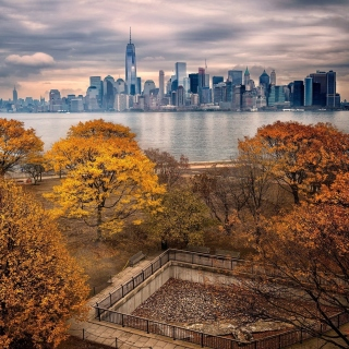 Manhattan Autumn sfondi gratuiti per iPad Air