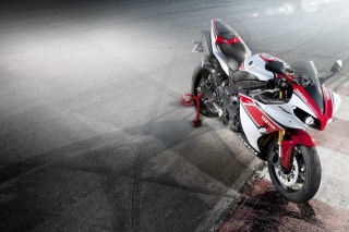 Yamaha R1 sfondi gratuiti per cellulari Android, iPhone, iPad e desktop