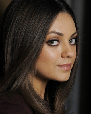Mila Kunis Magazine Foto Wallpaper for Nokia Lumia 610