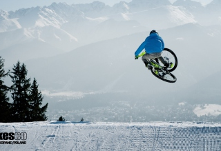 Bike Winter Freeride sfondi gratuiti per cellulari Android, iPhone, iPad e desktop