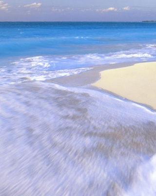 Free White Beach And Blue Water Picture for 128x160