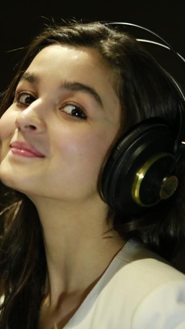 Alia Bhatt per Nokia N8