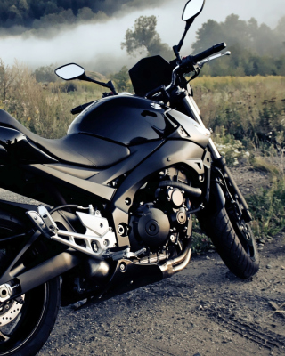 Suzuki GSXR 600 Bike Background for Nokia Asha 305