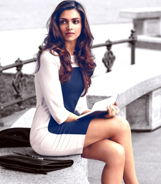 Deepika Padukone Wallpaper for 768x1280