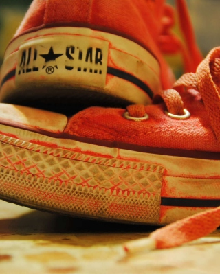Red Converse All Star sfondi gratuiti per Nokia 5800 XpressMusic