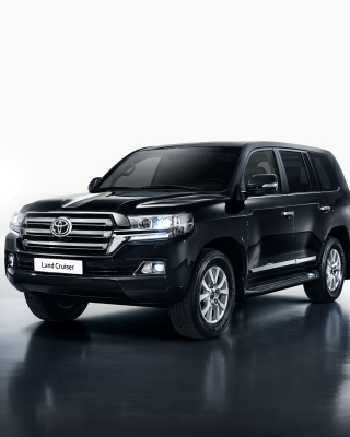 Toyota Land Cruiser 200 Background for Nokia Asha 311
