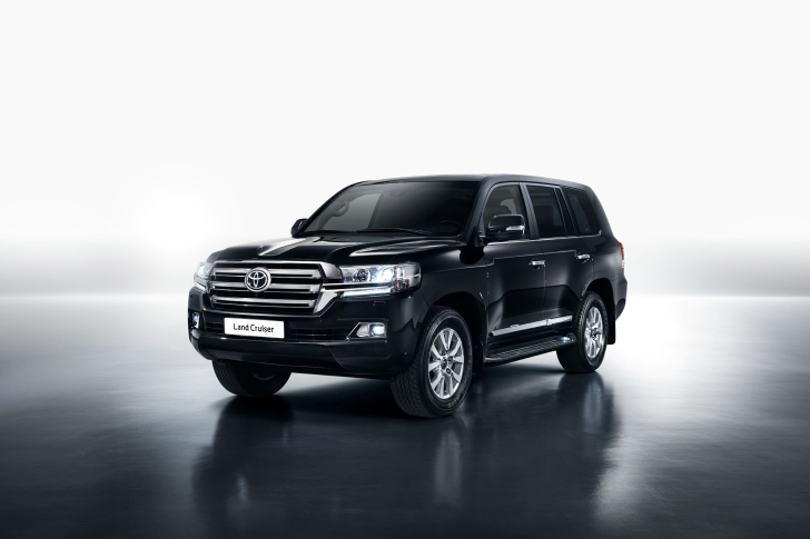 Toyota Land Cruiser 200 wallpaper