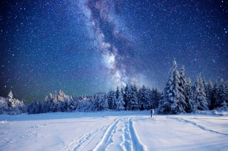 Kostenloses Milky Way on Winter Sky Wallpaper für Android, iPhone und iPad