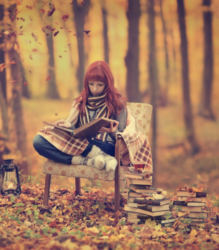 Girl Reading Old Books In Autumn Park sfondi gratuiti per iPhone 4S