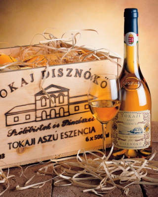 Free Tokaji Aszu Wine Picture for 240x320