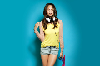 Chrissy Teigen Background for Android, iPhone and iPad