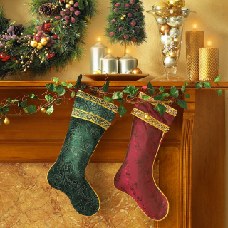 Christmas stocking on fireplace - Obrázkek zdarma pro iPad mini