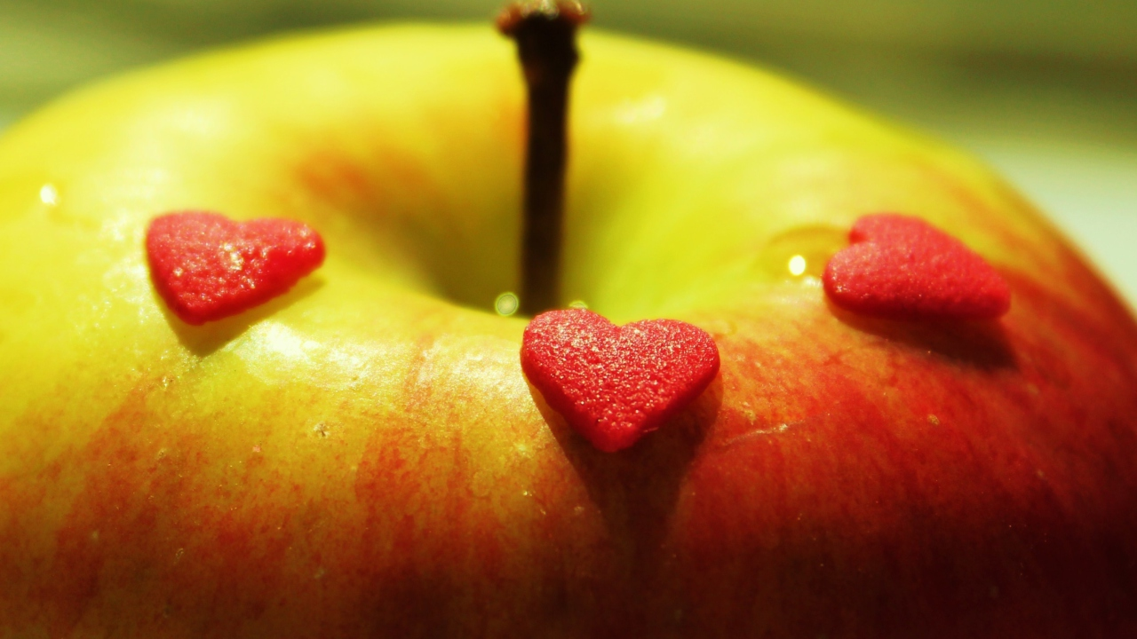 Heart And Apple