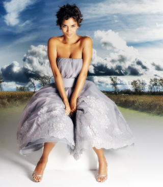 Halle Berry sfondi gratuiti per iPhone 4S