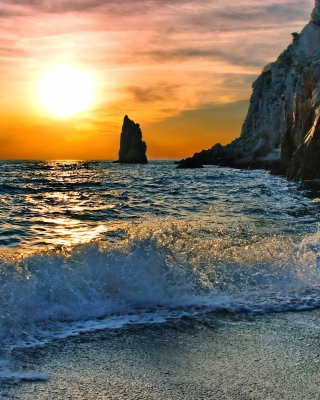 Splash on Evening Beach - Fondos de pantalla gratis para 640x1136