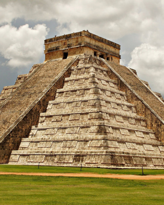 One of the 7 Wonders of the World Chichen Itza Pyramid sfondi gratuiti per Nokia Lumia 925