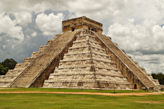One of the 7 Wonders of the World Chichen Itza Pyramid Wallpaper for Android, iPhone and iPad