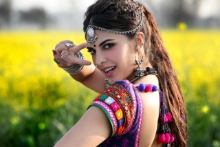 Jacqueline Fernandez In Ramaiya Vastavaiya Picture for Android, iPhone and iPad