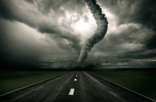 Tornado On The Road sfondi gratuiti per cellulari Android, iPhone, iPad e desktop