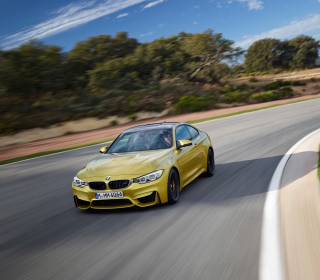 Картинка 2014 BMW M4 Coupe In Motion на телефон iPad mini 2