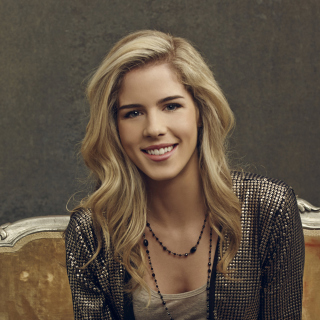 Emily Bett Rickards Picture for iPad 3