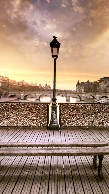 Bench In Paris for Nokia C5-05