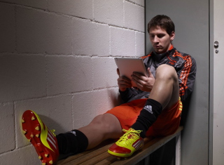 Free Messi Before Match Picture for Android, iPhone and iPad