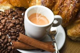 Hot coffee and cinnamon sfondi gratuiti per Samsung Galaxy Pop SHV-E220