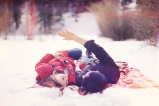 Couple In Snow Background for Android, iPhone and iPad