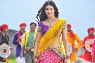 Shruti Hassan In Gabbar Singh sfondi gratuiti per cellulari Android, iPhone, iPad e desktop
