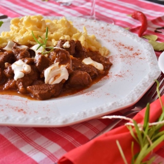 Hungarian Goulash Picture for iPad 3