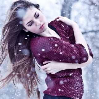 Free Girl from a winter poem Picture for 1024x1024