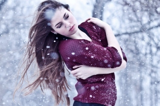 Girl from a winter poem Wallpaper for Samsung Galaxy S5