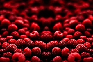 Free Appetizing Raspberries Picture for Android, iPhone and iPad