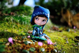 Cute Doll In Blue Hat sfondi gratuiti per cellulari Android, iPhone, iPad e desktop