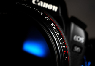 Free Canon Lens Picture for Desktop Netbook 1024x600