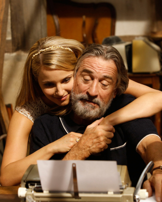 Robert de Niro and Dianna Agron in The Family papel de parede para celular para 480x640
