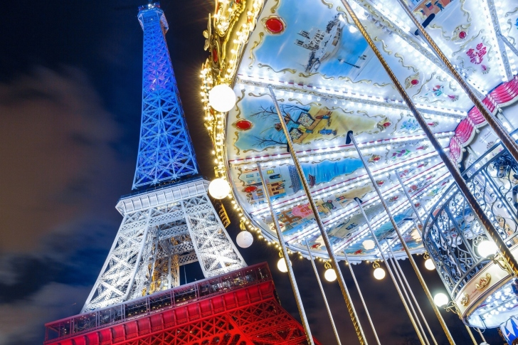 Eiffel Tower in Paris and Carousel wallpaper