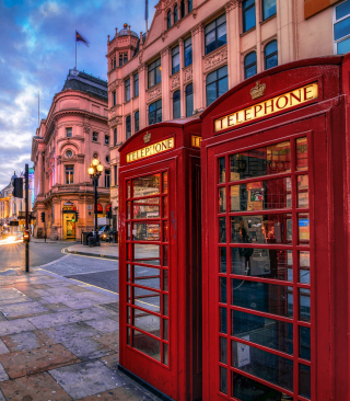 London Phone Booths sfondi gratuiti per Nokia Asha 305