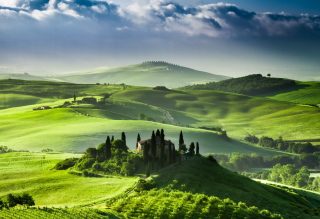 San Quirico d'Orcia, Tuscany, Italy Background for Android, iPhone and iPad
