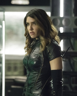 Free Black Canar, Juliana Harkavy in Arrow Film Picture for iPhone 5S