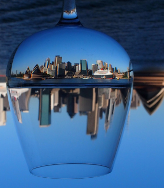 Sydney Australia In Wine Glass sfondi gratuiti per iPhone 6 Plus