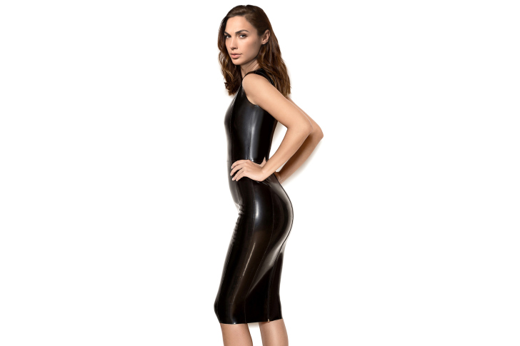 Gal Gadot Model in black latex Dress wallpaper